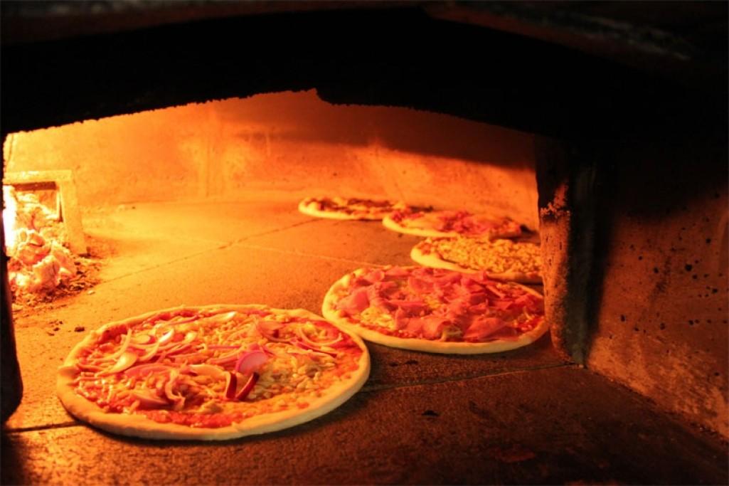 pizzeria lorenzo västerås meny